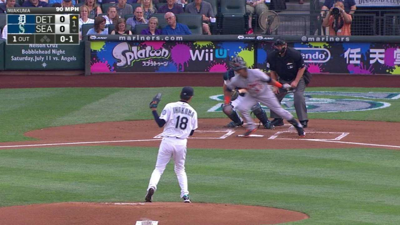 Iwakuma's return from DL marred by homers