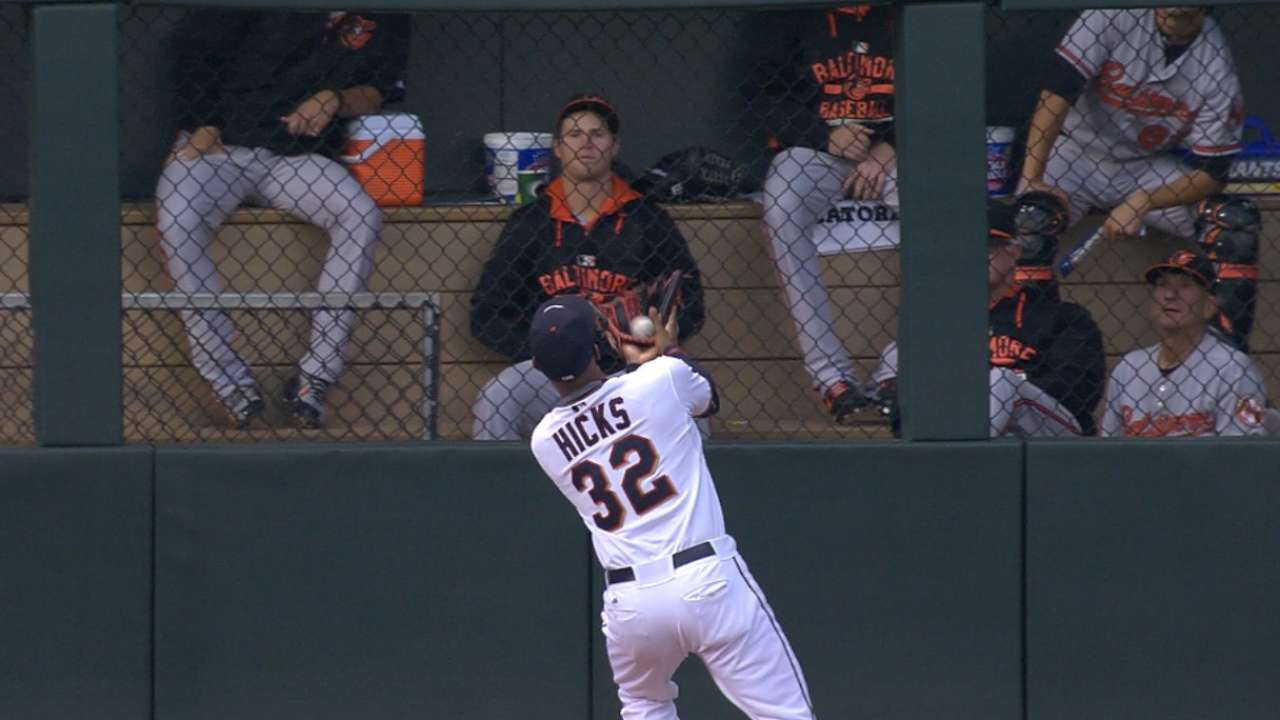 Must C: Hicks' incredible catch