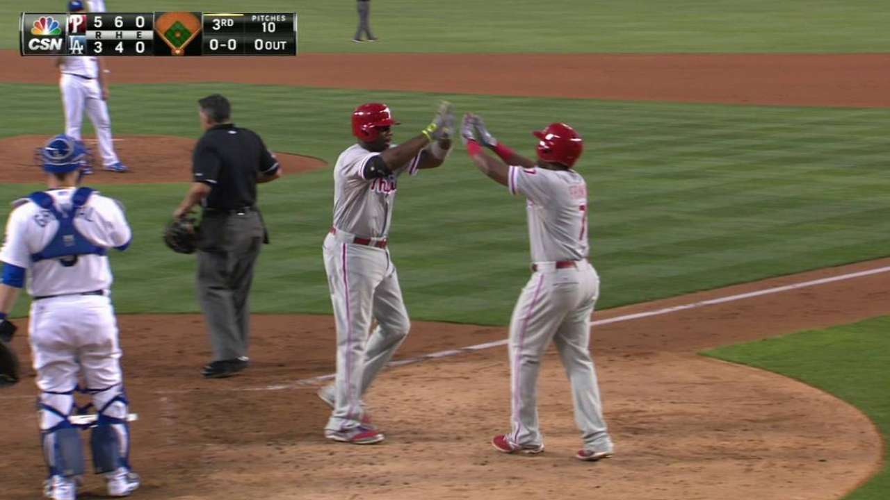 Howard's three-run shot