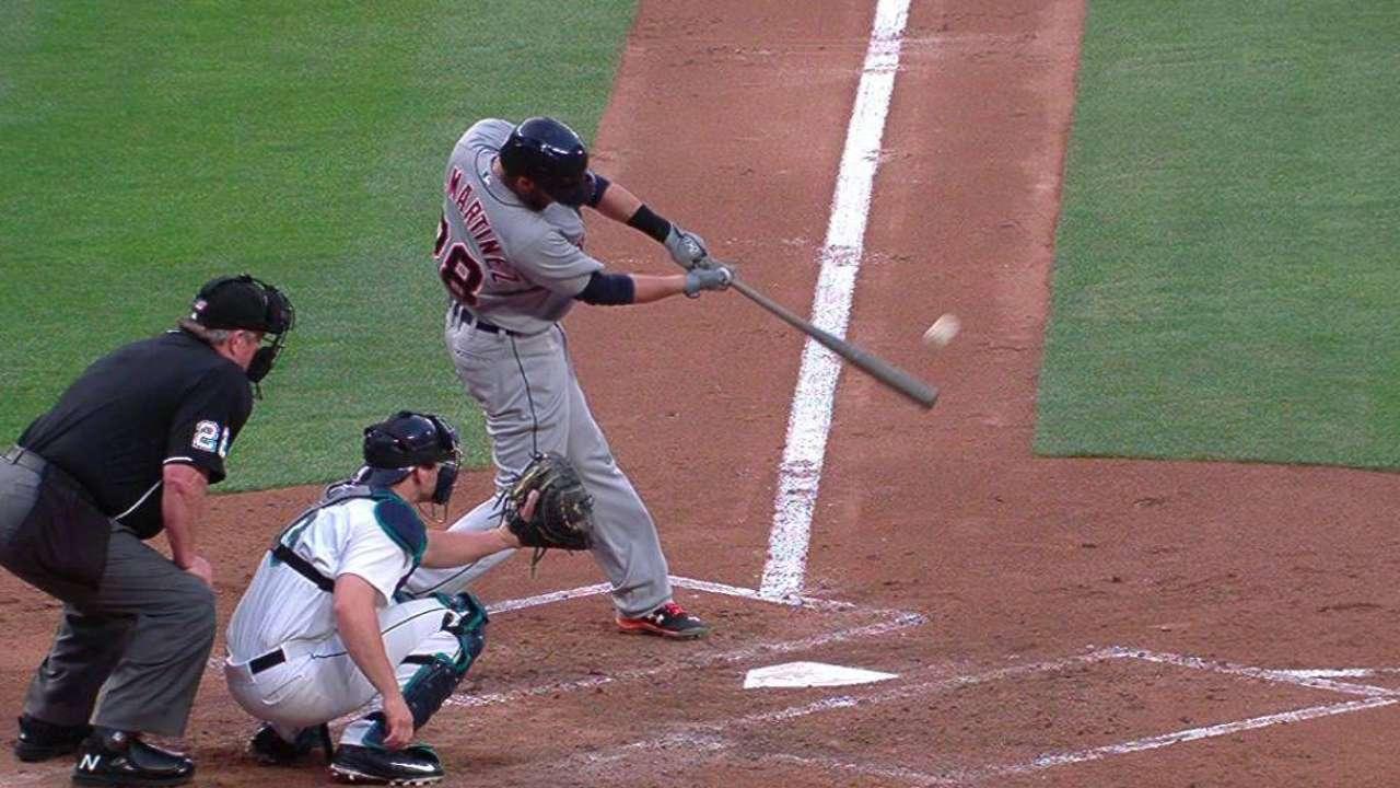 J.D. Martinez goes back-to-back