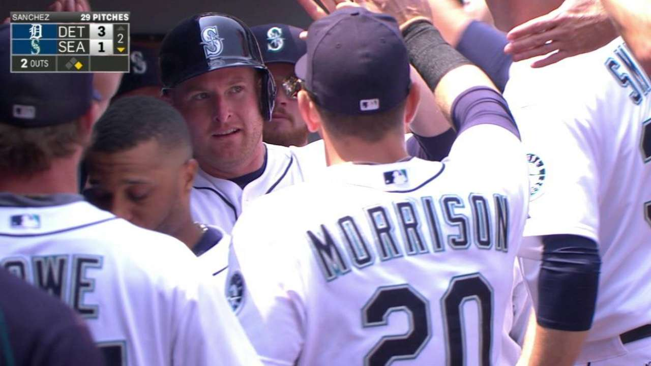 Mariners get runners on, can't get 'em home