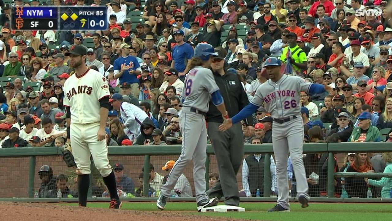 deGrom's hit-and-run single