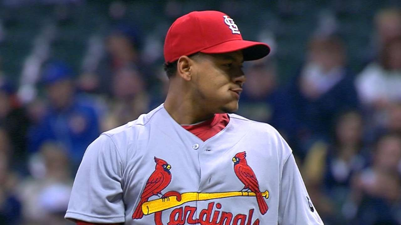 Martinez moves up in NL Final Vote race