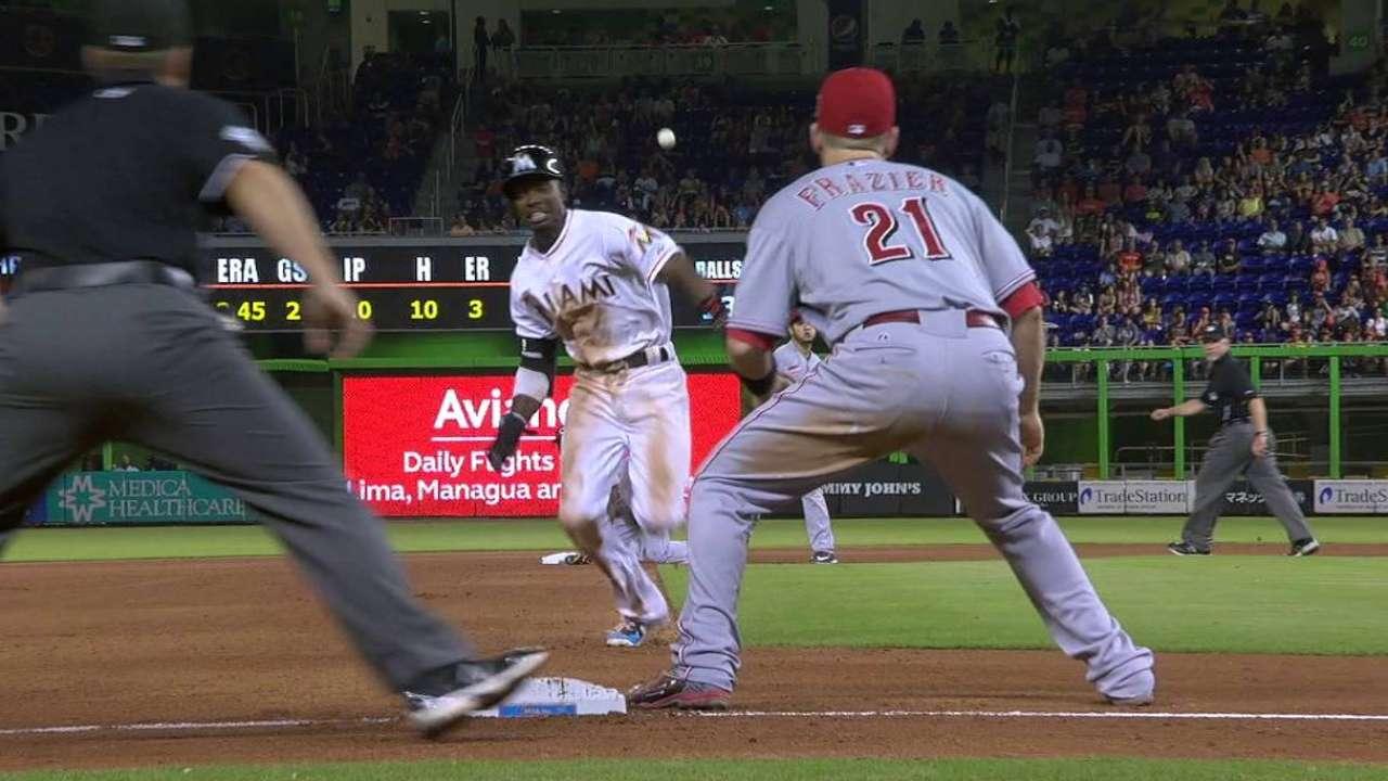 Gordon steals third base