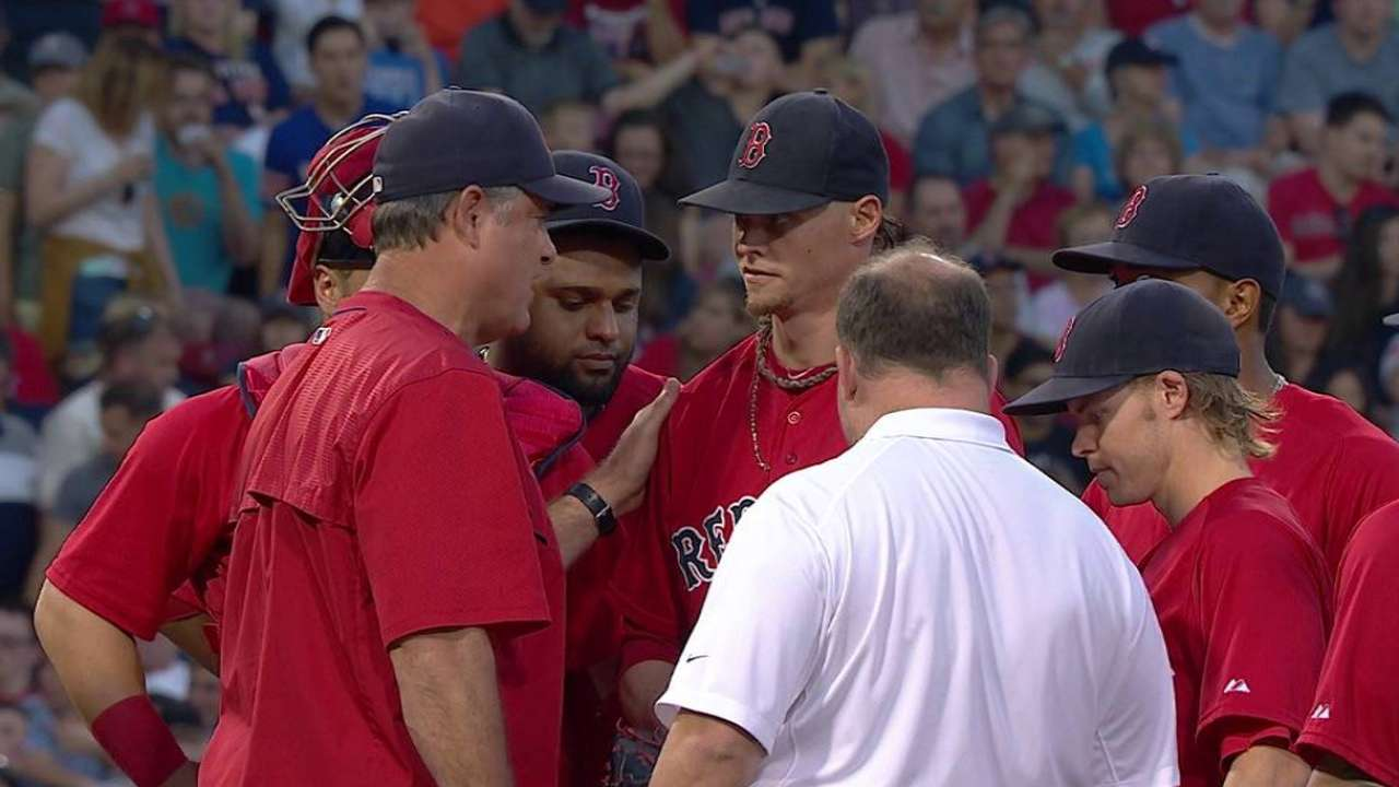 Buchholz leaves with an injury