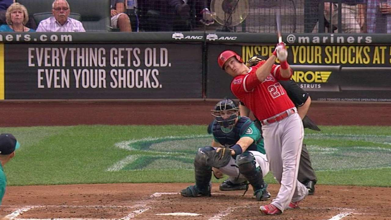 Trout says Pujols' streak affects his at-bats