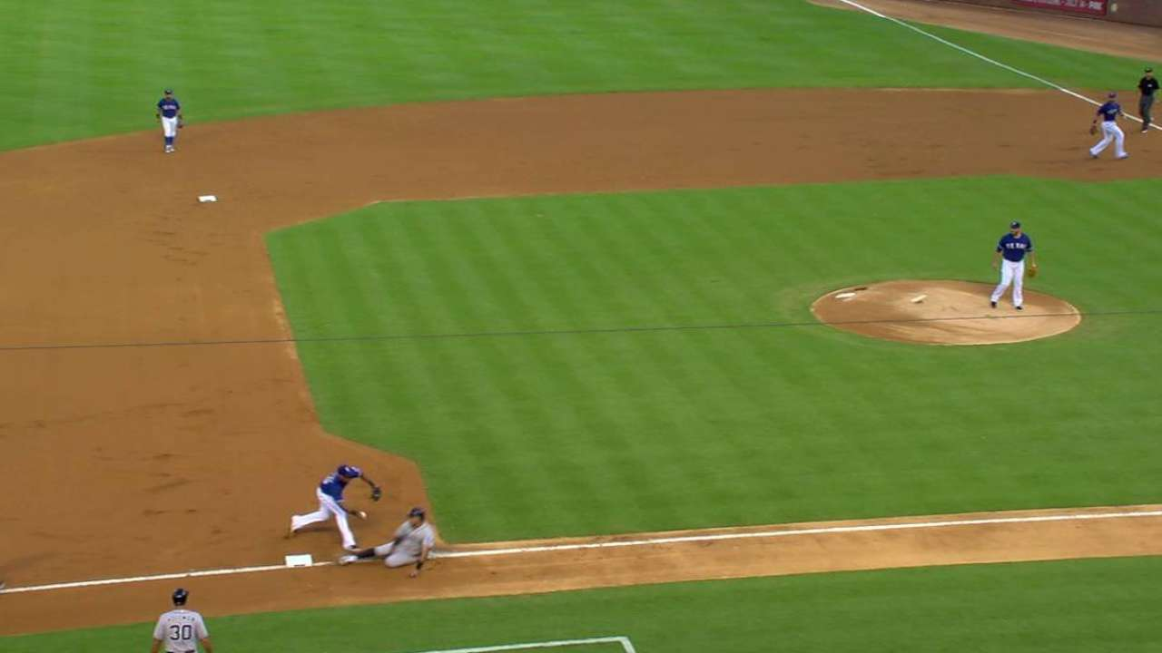 Solarte sneaks back into third