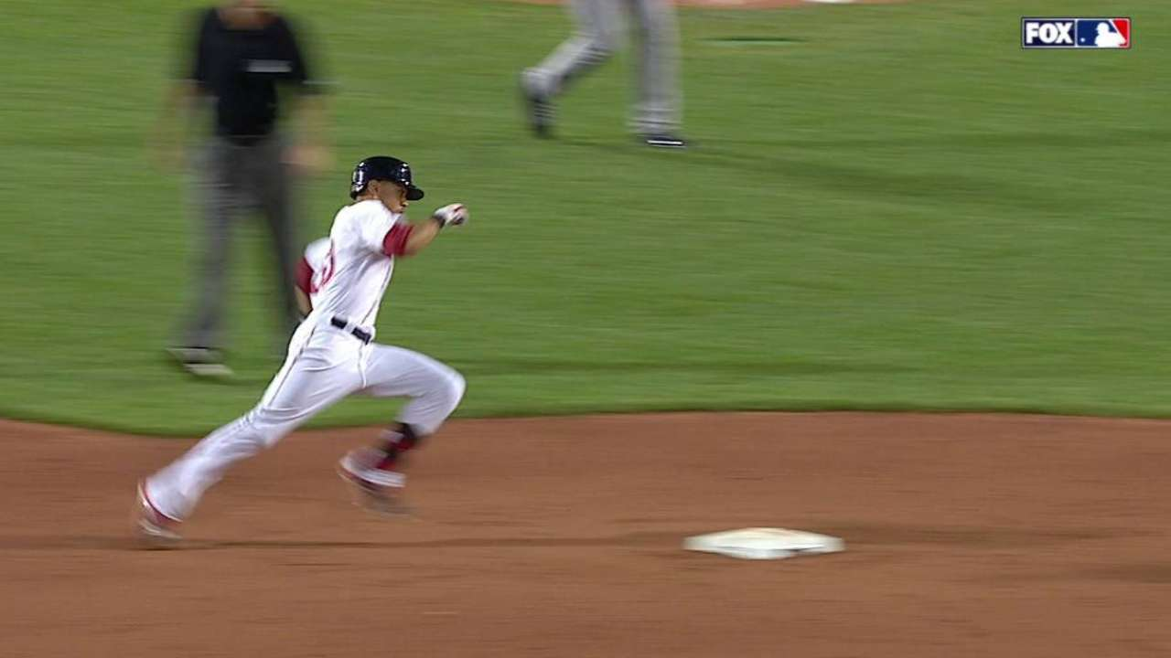 Betts' RBI triple