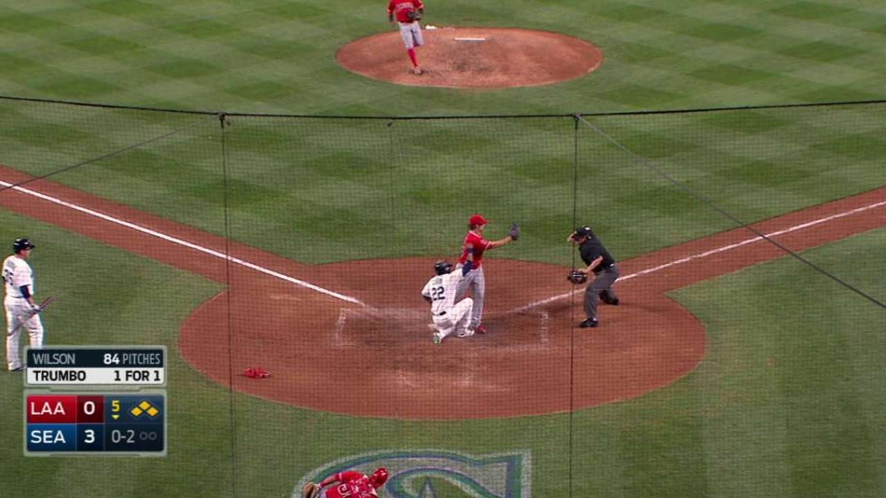 Perez gets Cano at home