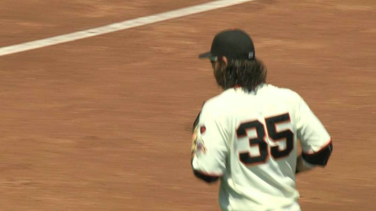 Posey turns tough double play