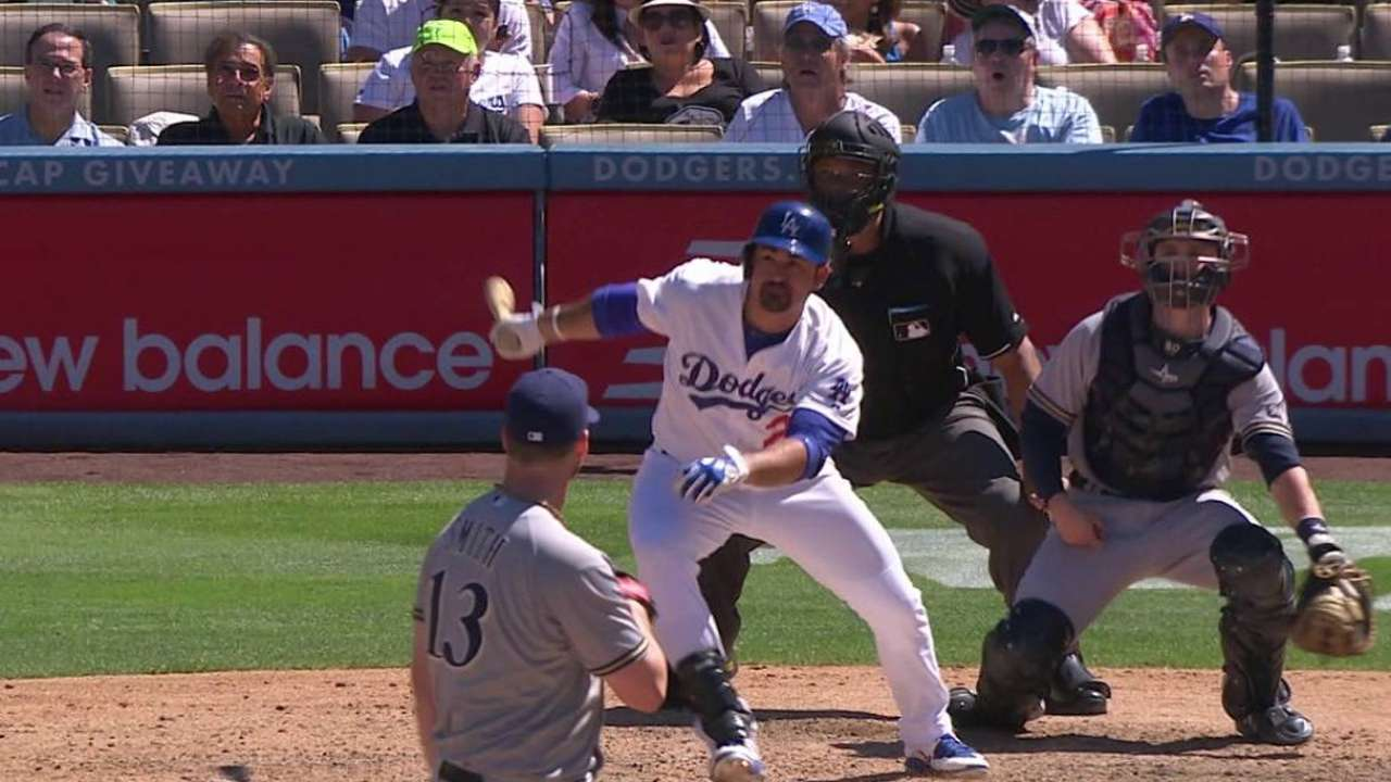 Gonzalez's go-ahead two-run shot