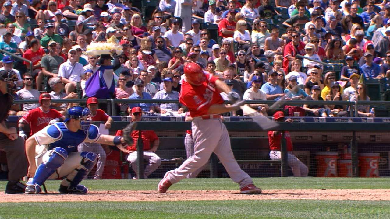 Angels rout Mariners to take AL West lead