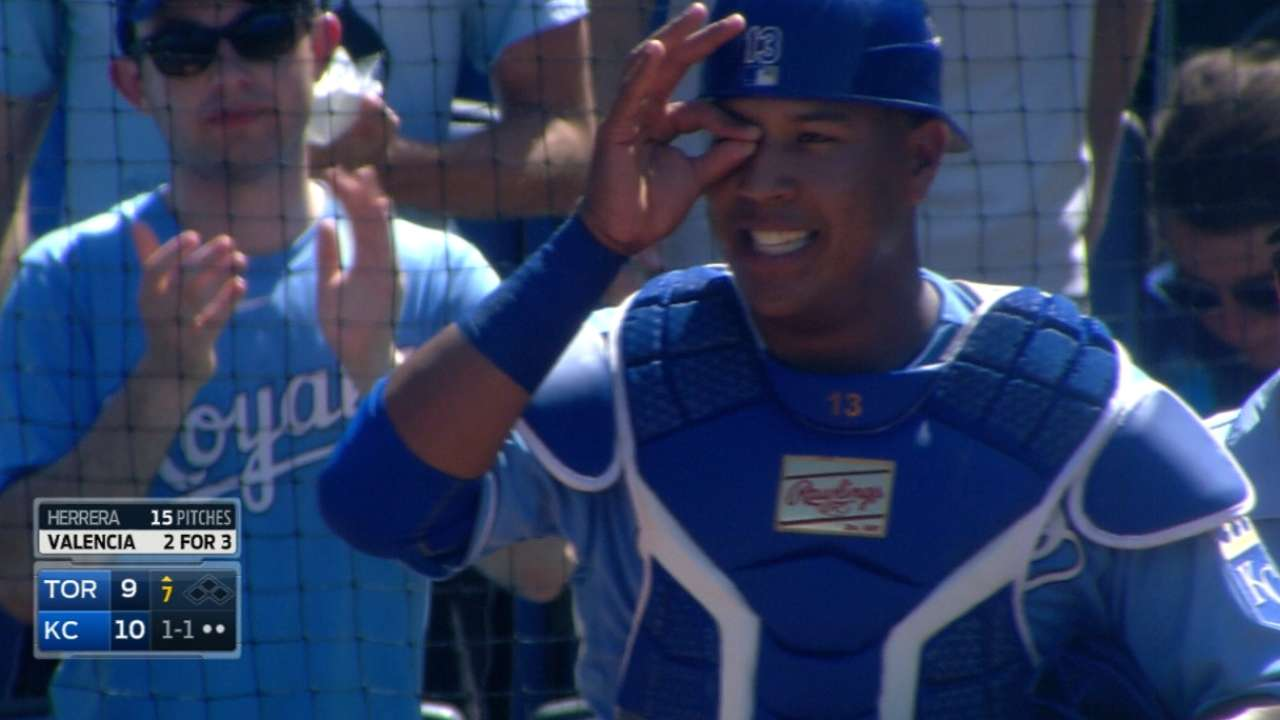 Salvy sizzles on defense for red-hot Royals