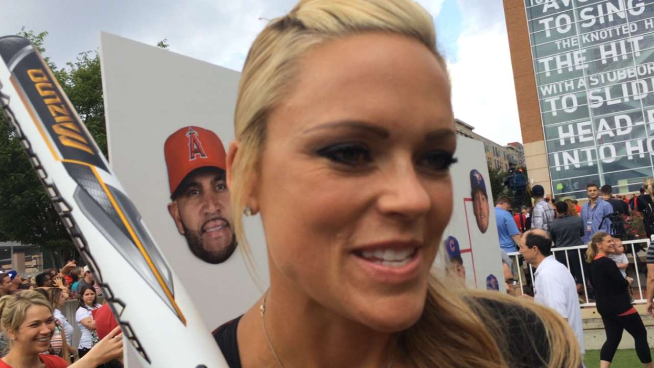 Celebs prep for Softball Game