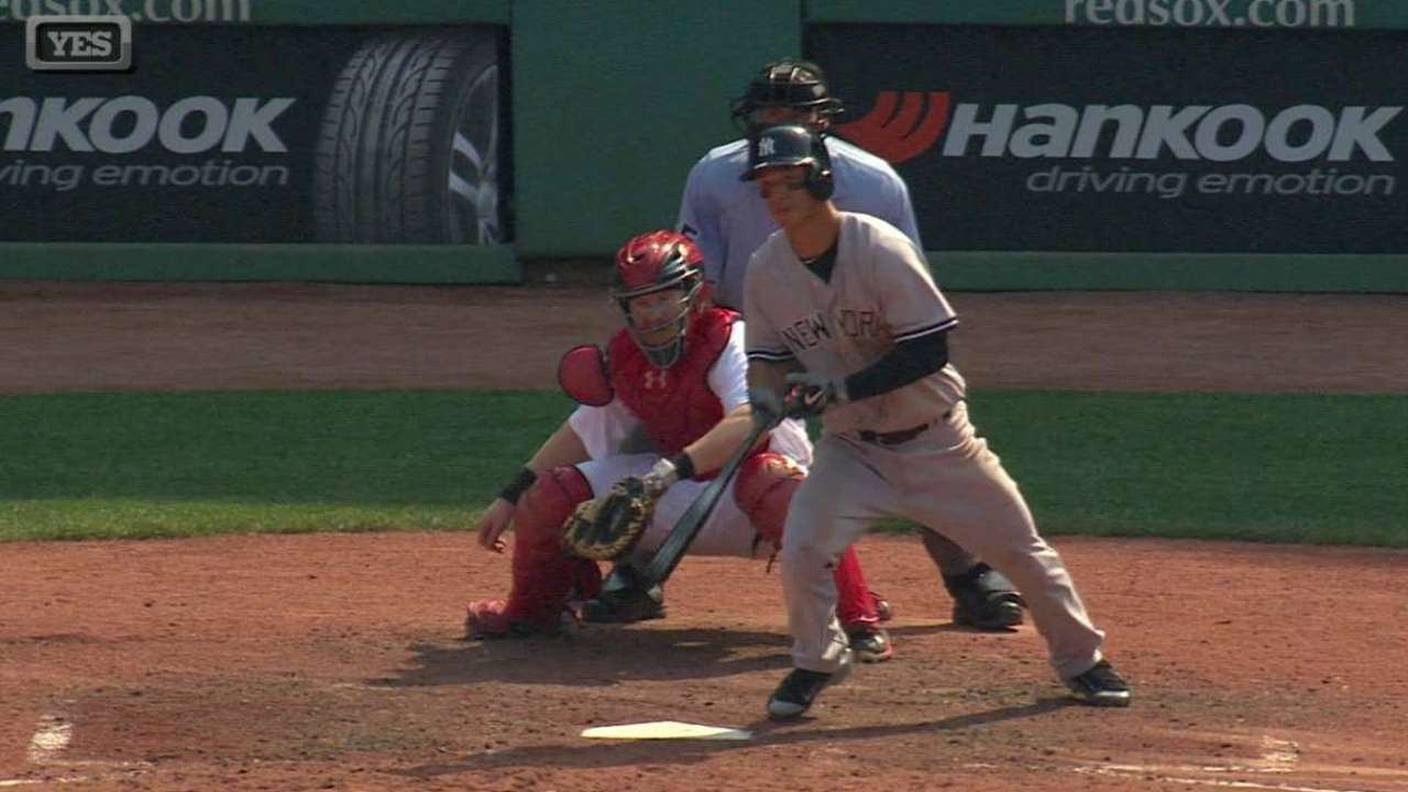 Refsnyder's first MLB hit