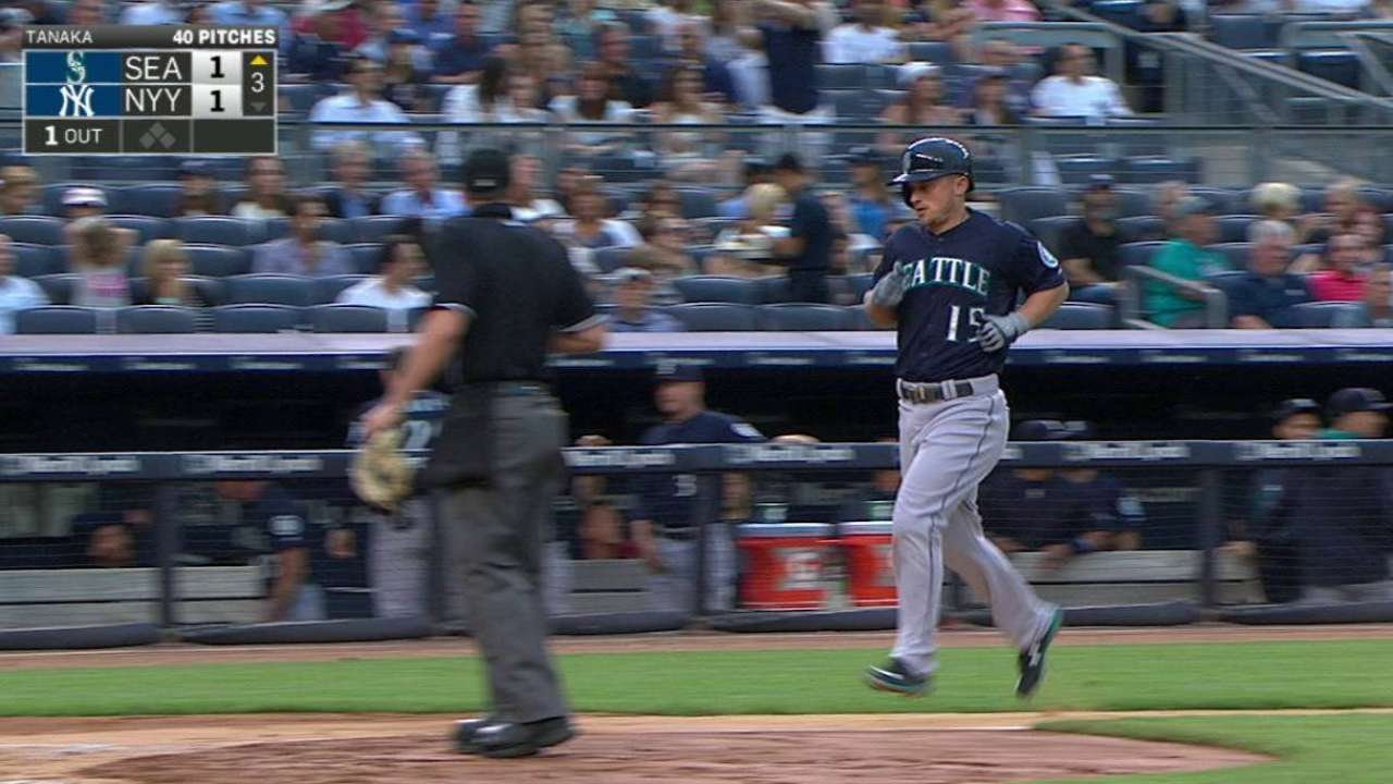 Seager continues tear with pair of homers