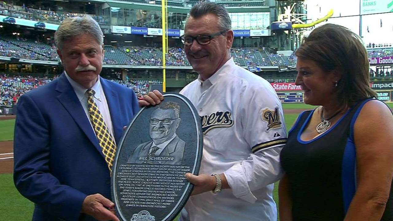 Schroeder enshrined on Brewers Wall of Honor