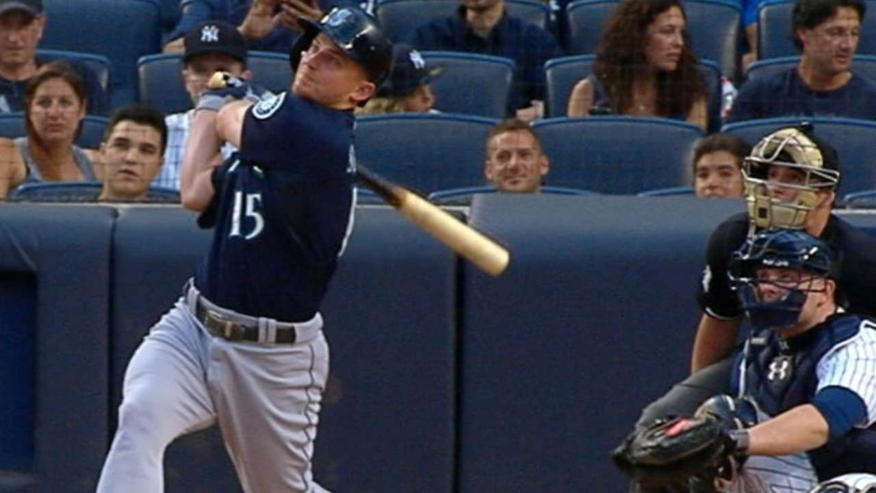 Seager wins 2nd straight Heart and Hustle award