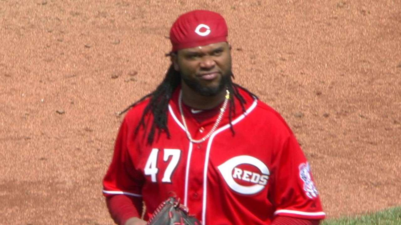 Cueto has rare rough outing vs. Indians
