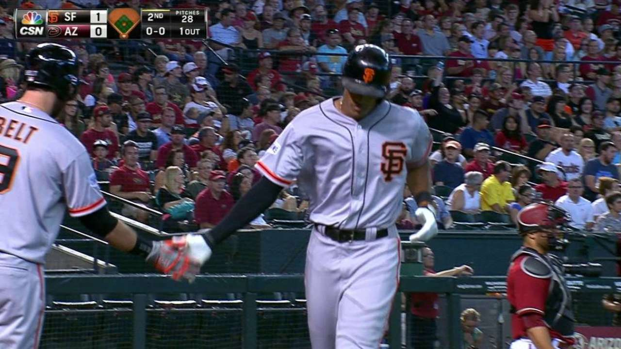 Giants sweep D-backs for sixth straight win