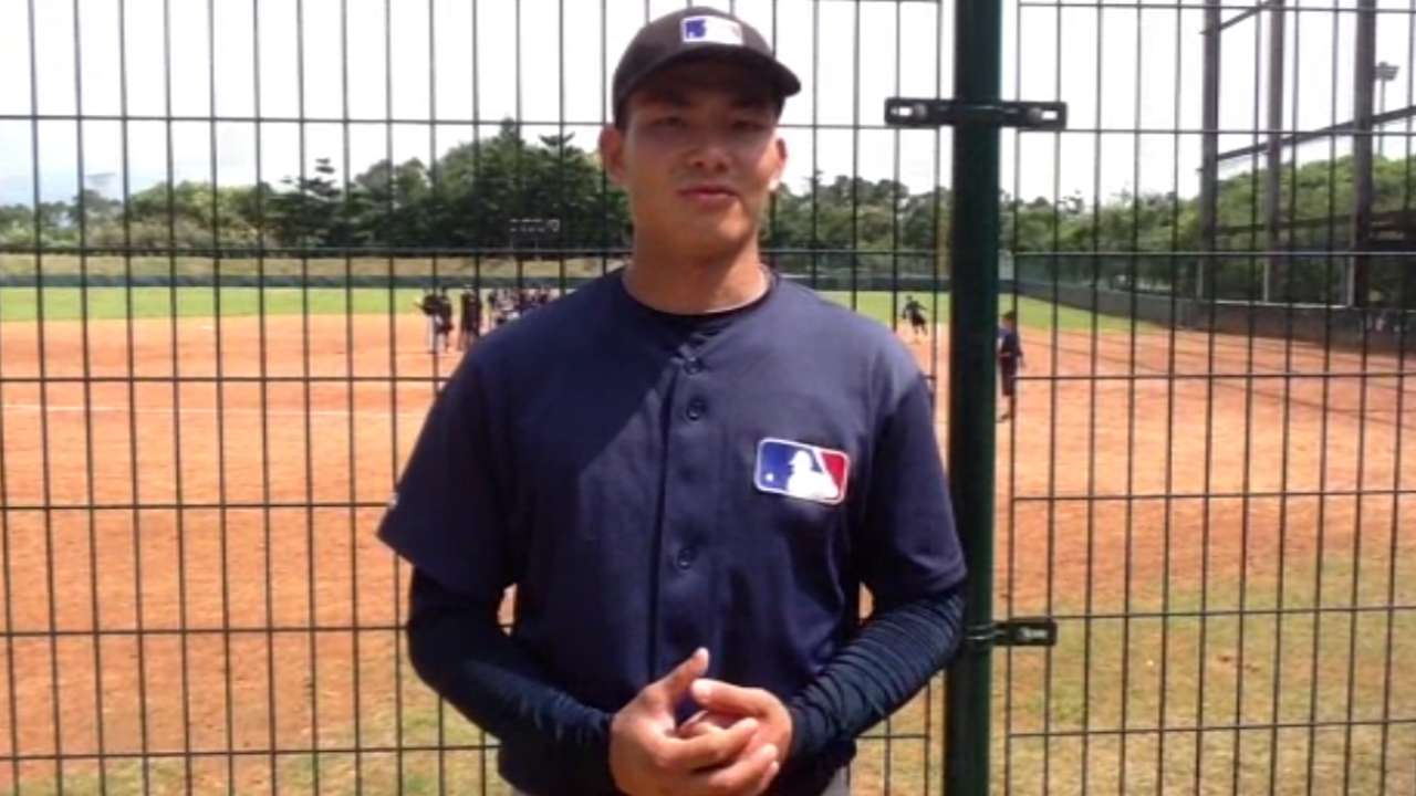 The Xu fits: O's, Chinese prospect make history