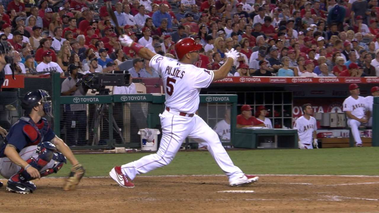 Angels sweep Sox with 15th win in 18 games