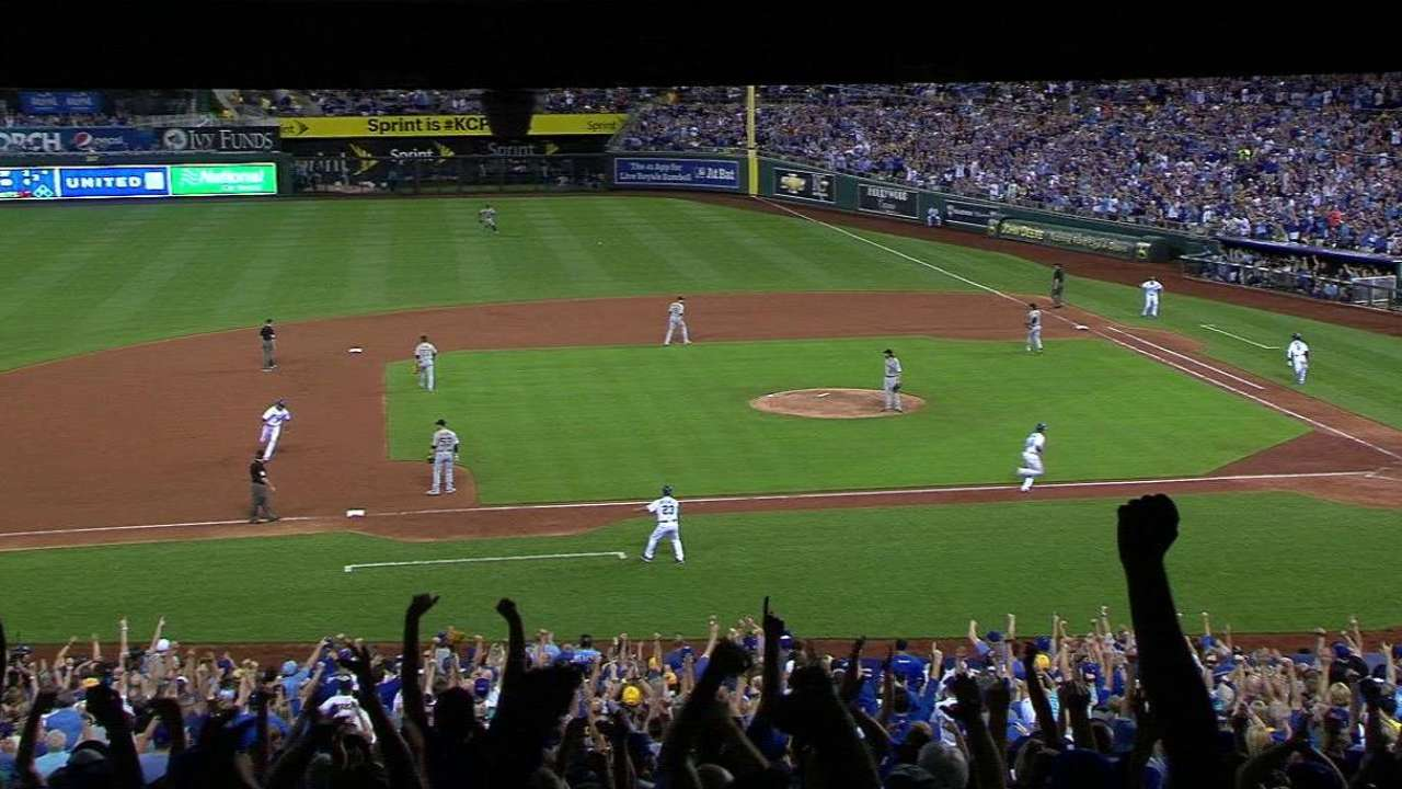 Dyson keys 3-run 8th as Royals hold off Pirates