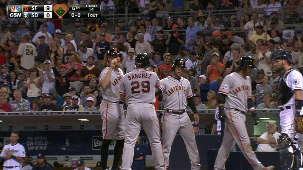 Giants' big homers back Heston vs. Padres