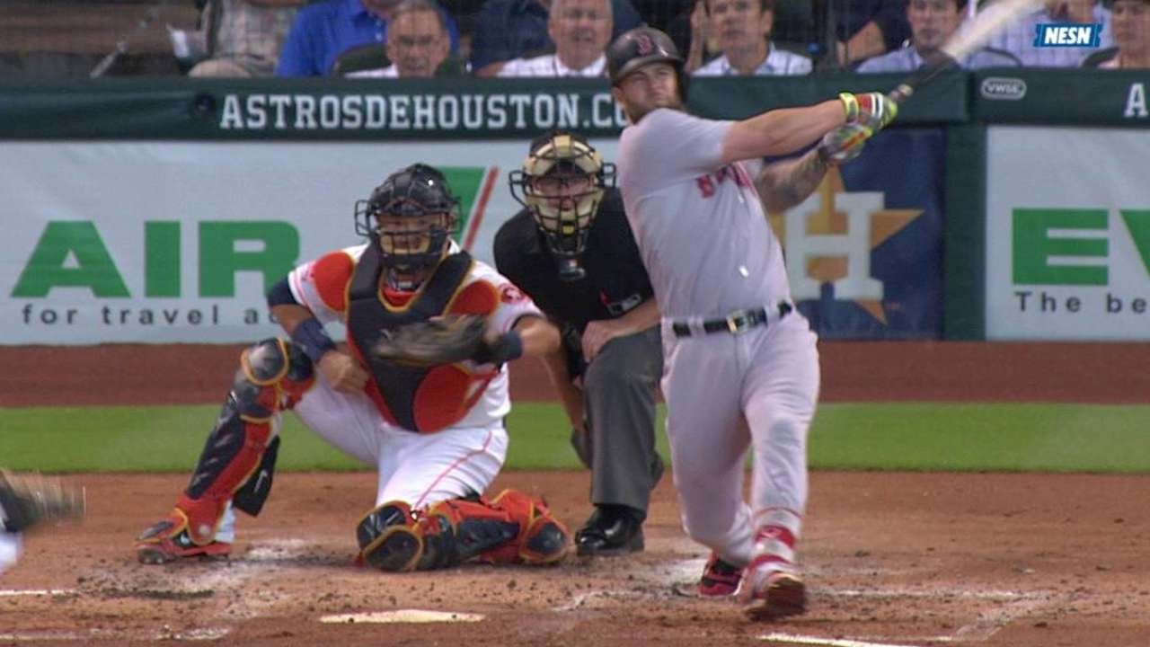 Napoli finds stroke in second 3-hit game of '15