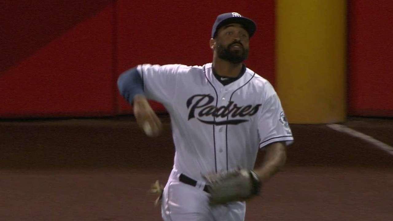 Kemp's nice running catch