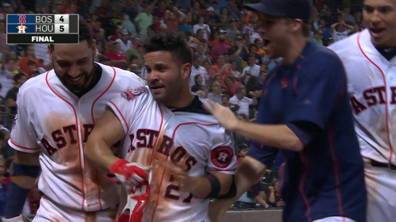 Altuve's walk-off blast hands Astros a sweep