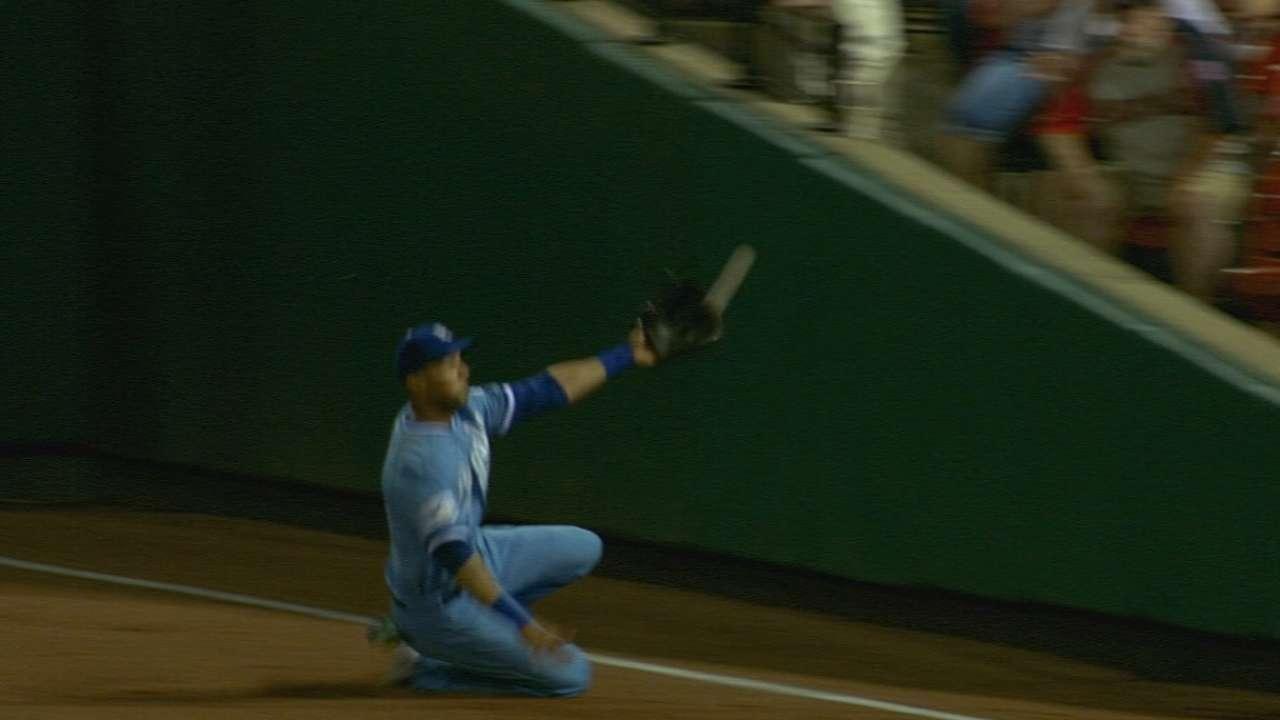 Rios back to swinging impact bat for Royals