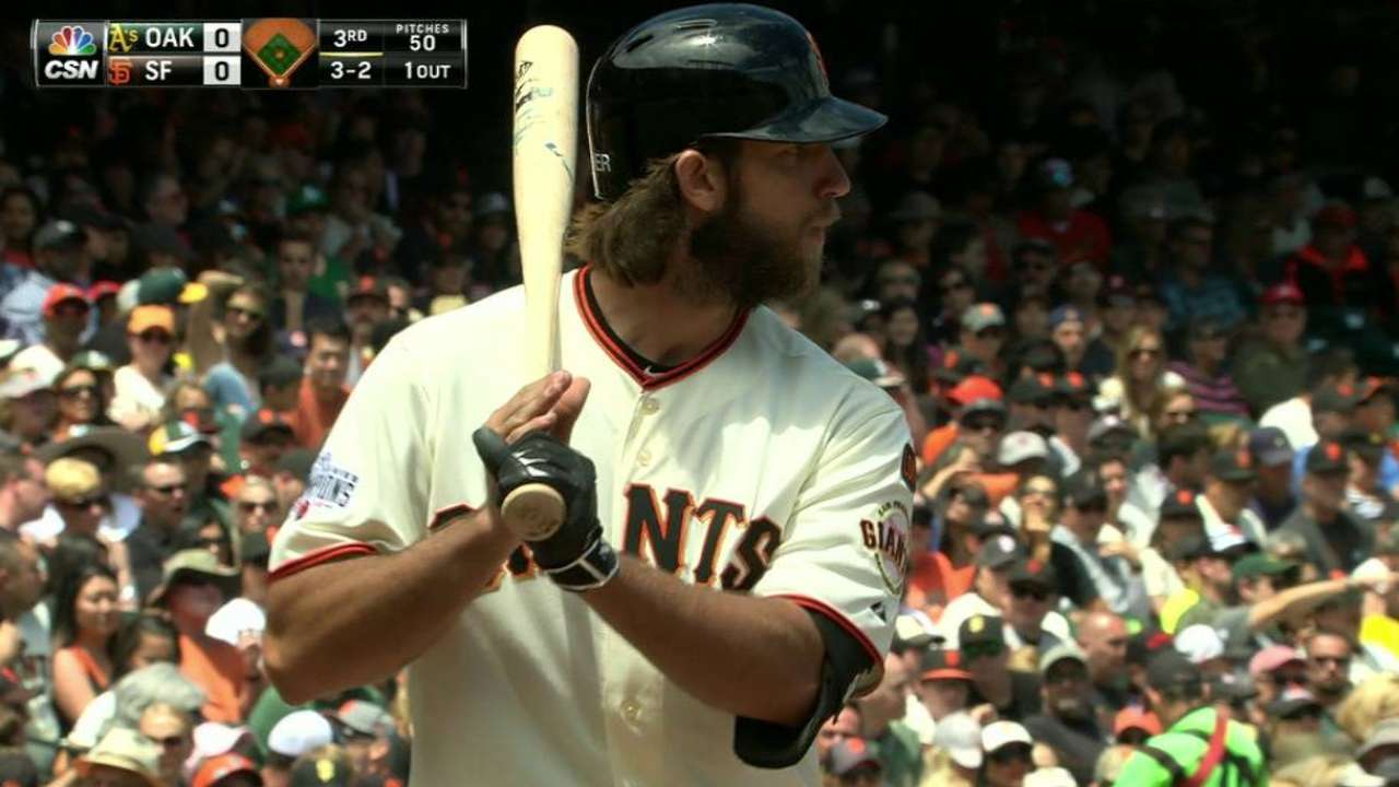 Bumgarner's booming bat a boon to Giants