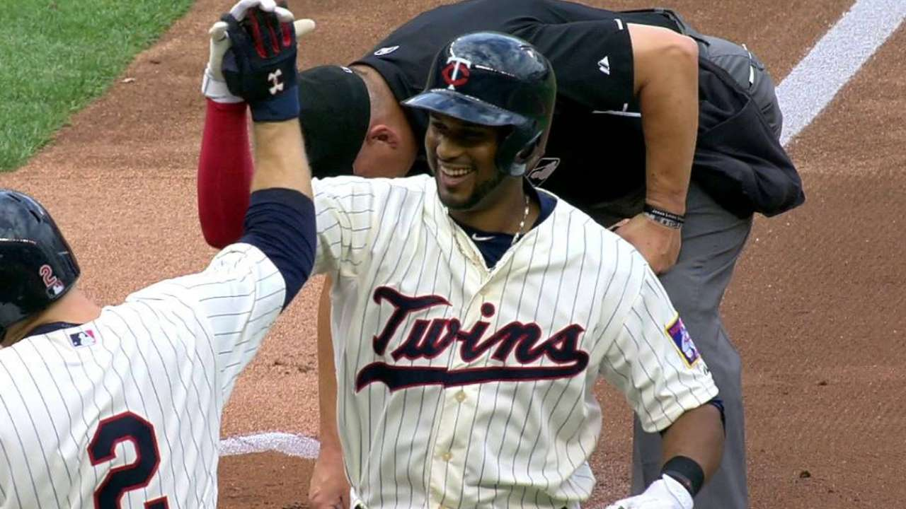 Hicks' two-run homer