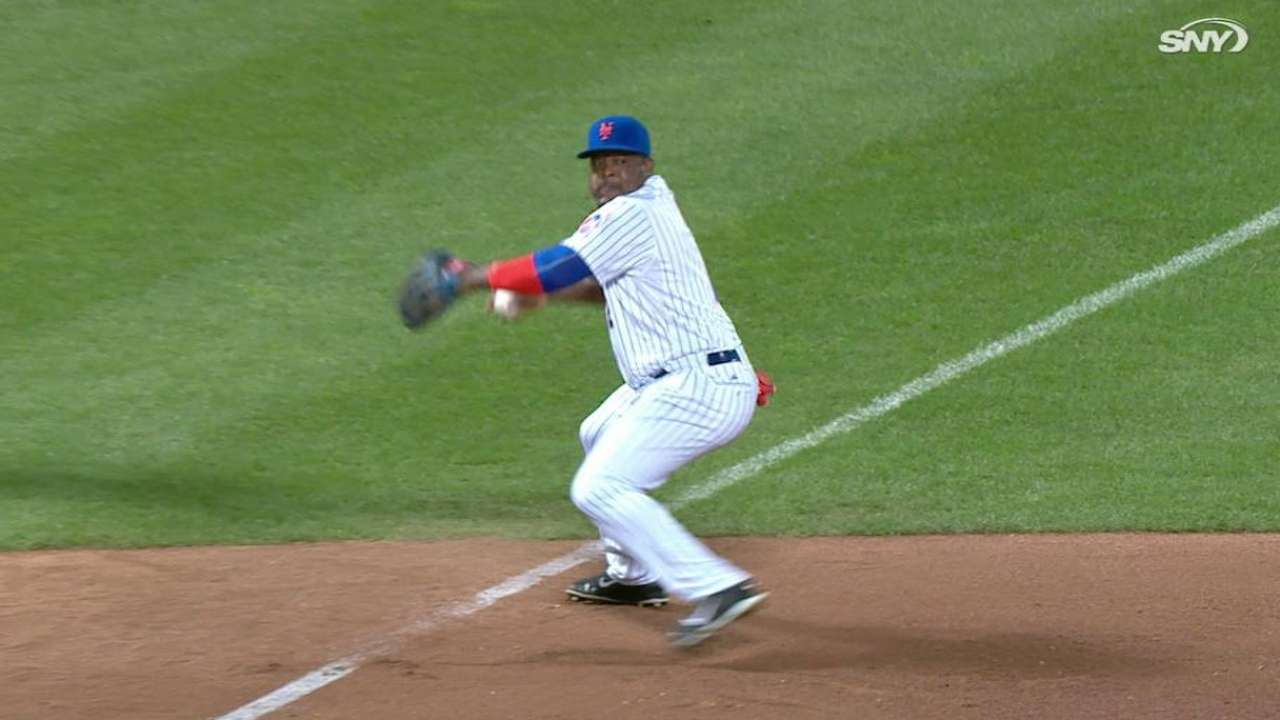 Uribe's nice diving stop