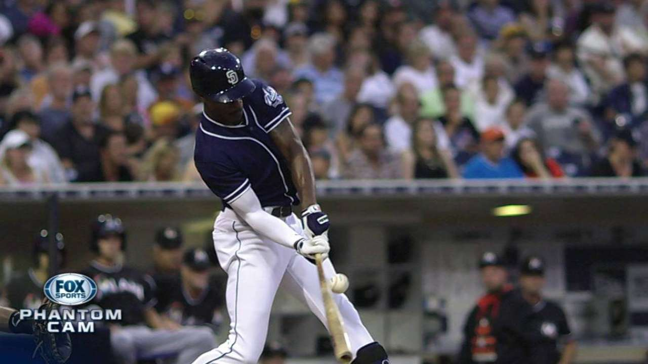 Padres play small ball to top Marlins