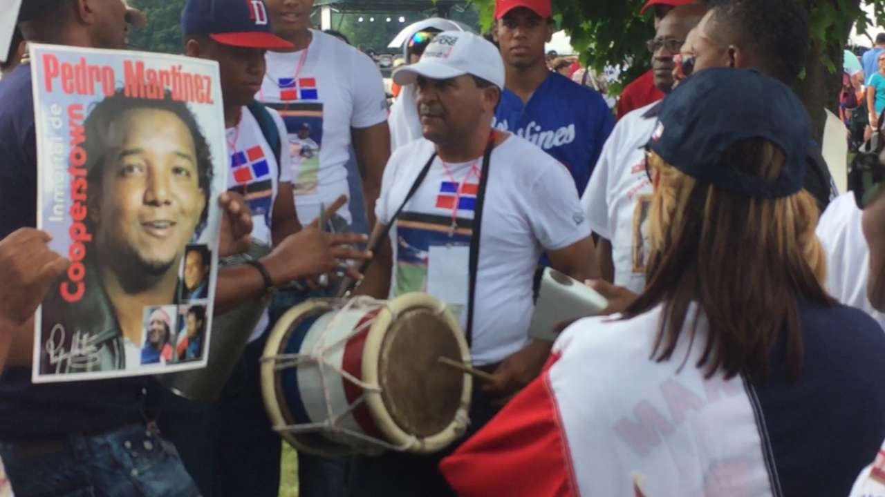 Dominican fans support Pedro