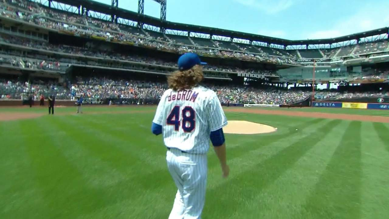 deGrom outpitches Greinke during duel