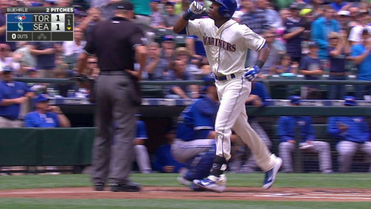 Jackson's game-tying homer
