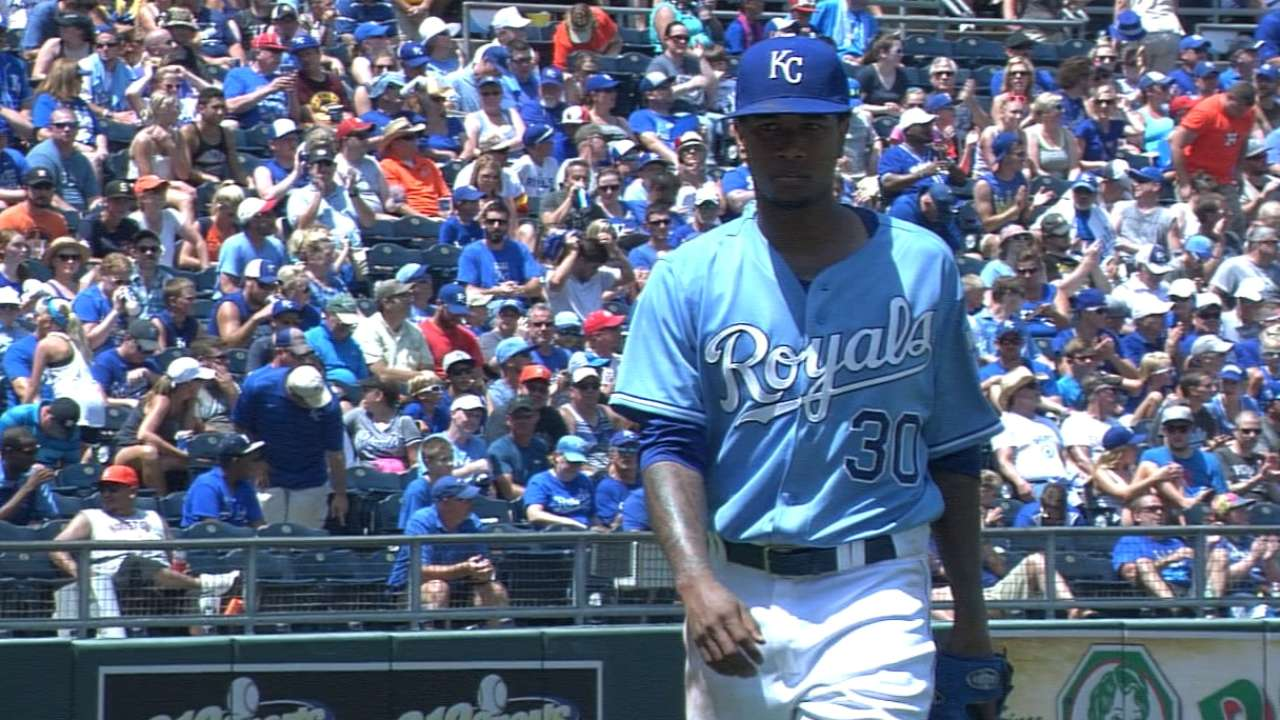 Ventura pitches Royals past Astros in rubber game