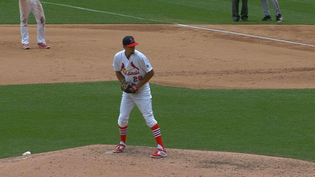 Cishek's debut for Cardinals