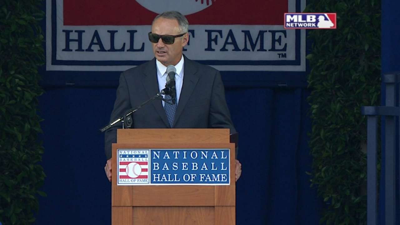 Manfred: 'Amazing day' at 1st inductions as Commissioner