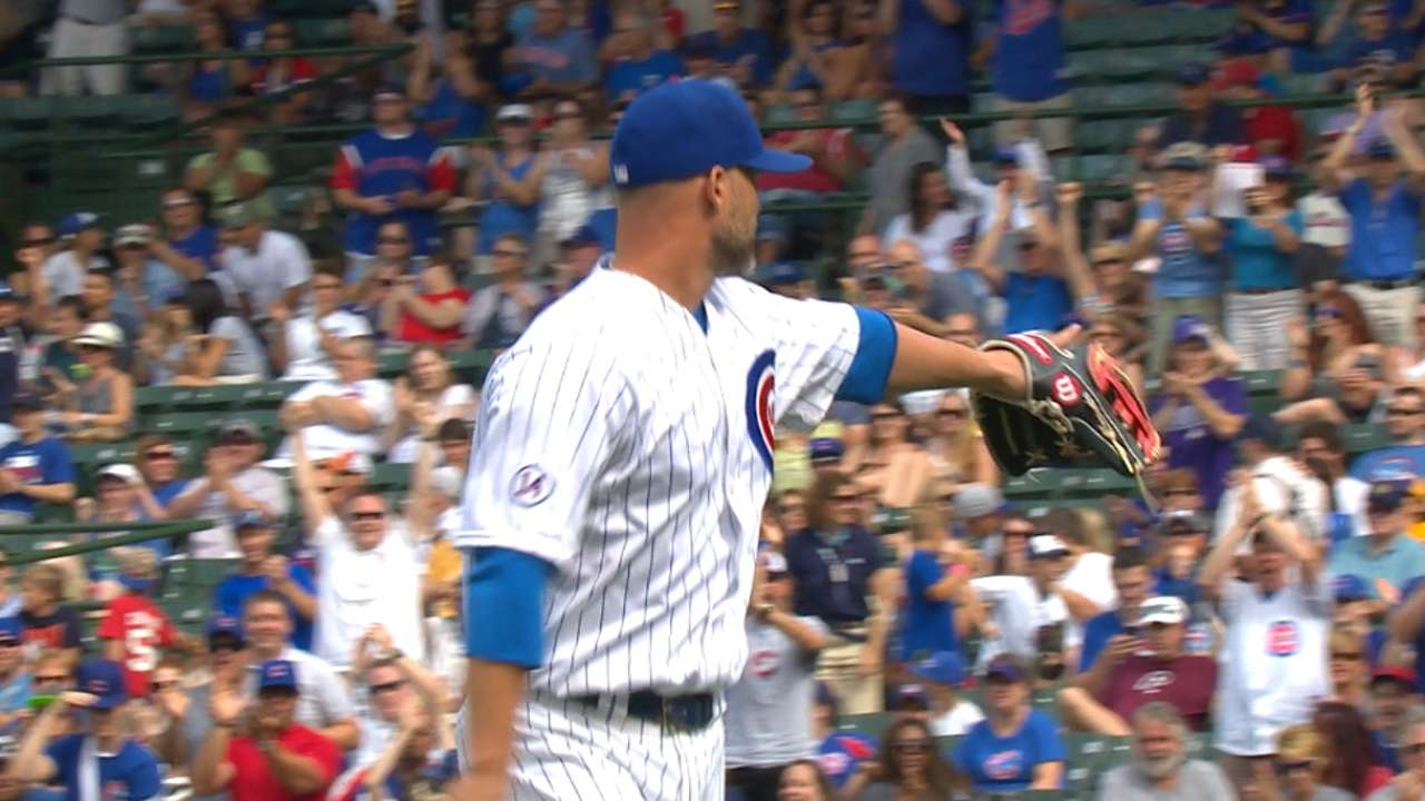 Ross pitches perfect ninth, homers for Cubs