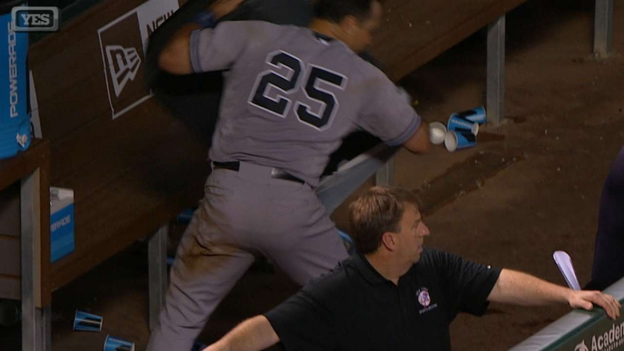 Tex heated after mistake by third-base coach