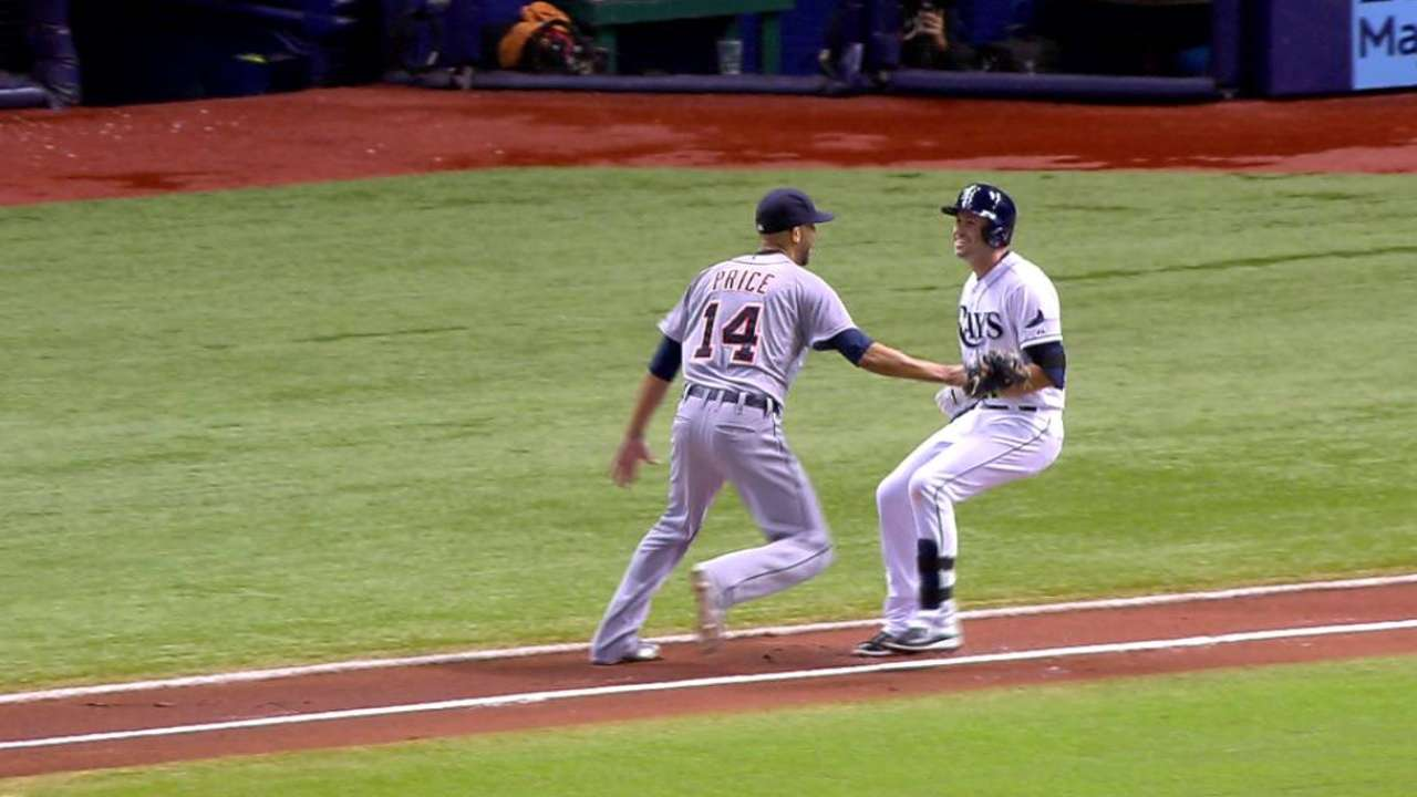 Longoria refuses to be tagged