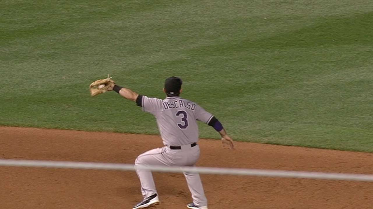 Descalso's fine leaping grab