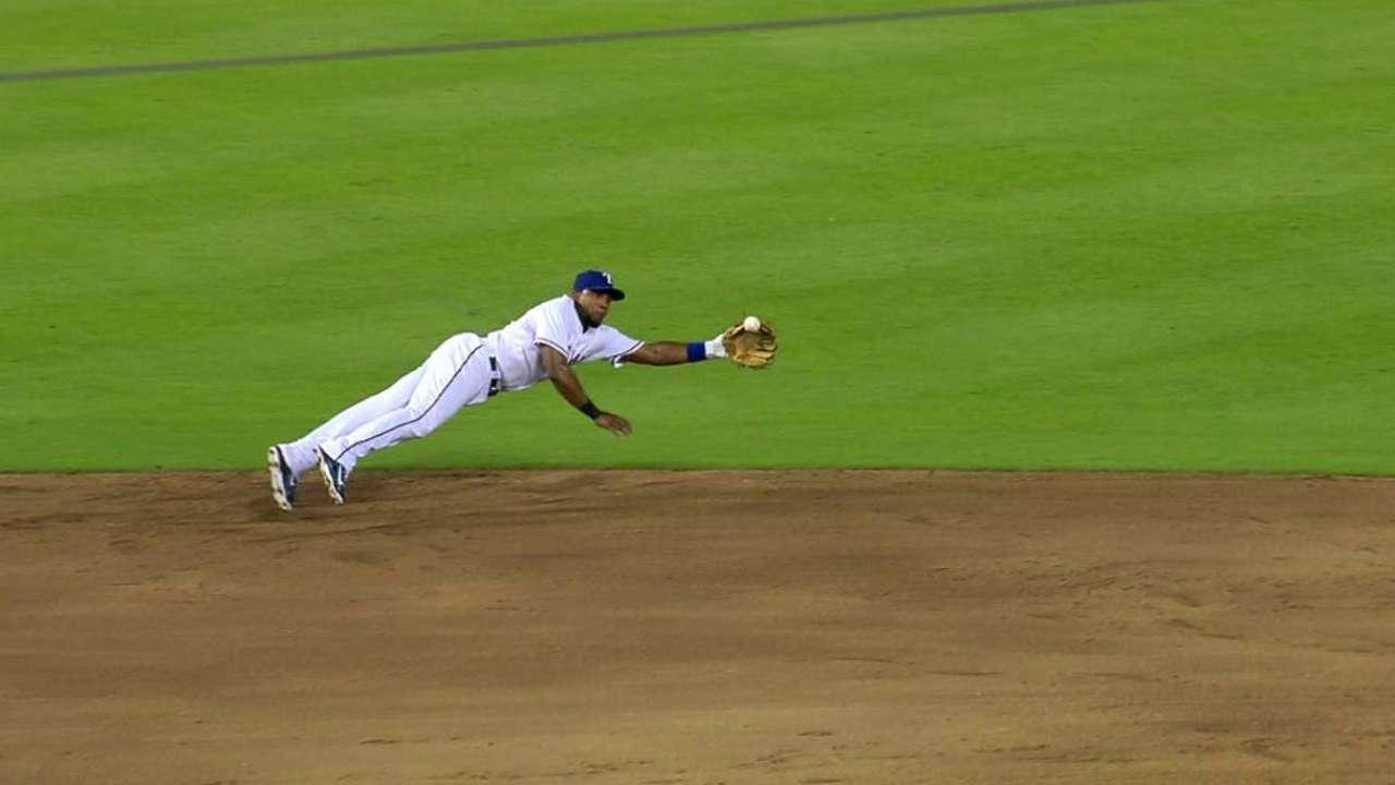 Lewis frena a Yankees y saca del bache a Rangers