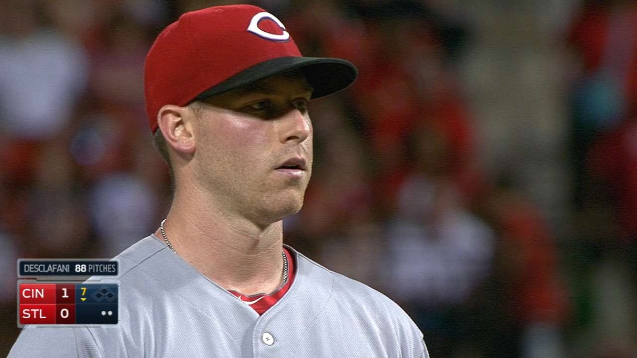 Reds' veterans to help guide 5 rookie pitchers