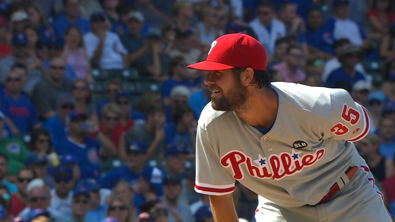 Hamels boosts Rangers' rotation