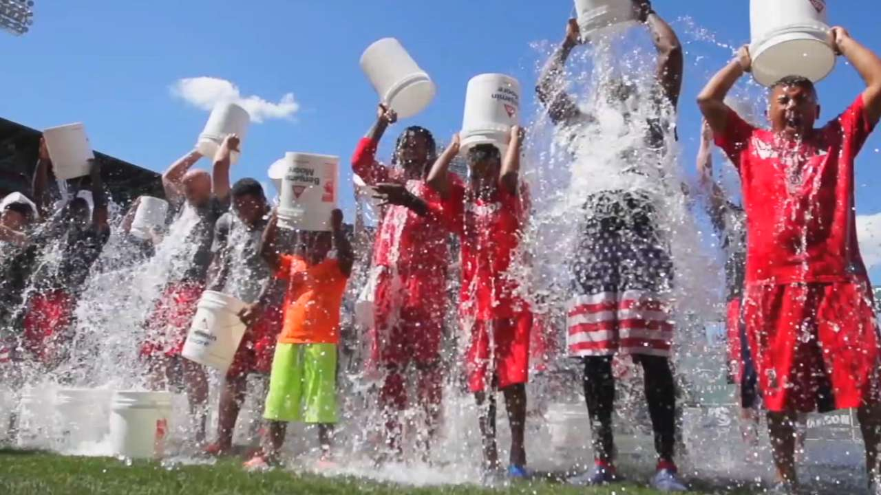 Frates, Sox begin Ice Bucket Challenge anew